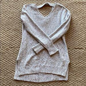 V -neck sweater in gray